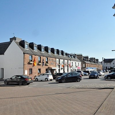 There are a variety of places to eat and drink in Beauly